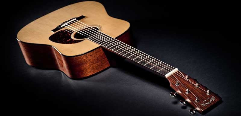 7 лучших акустических гитар