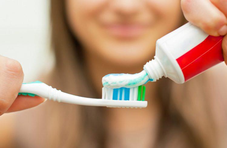 Рейтинг ТОП 7 лучших лечебных зубных паст