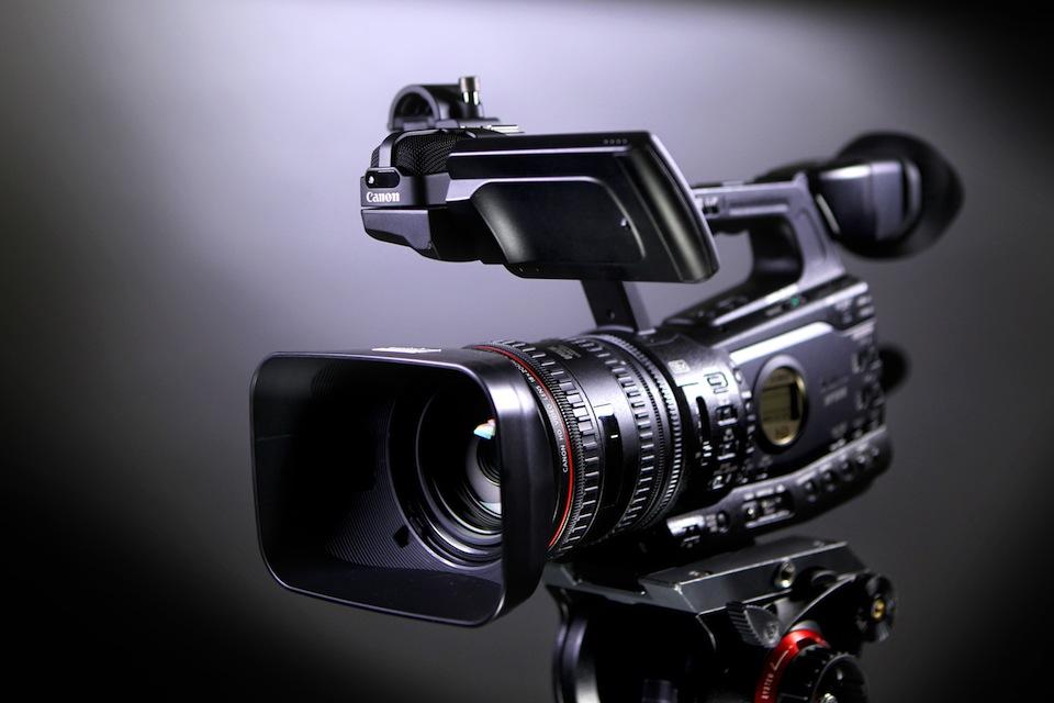 Как выбрать лучшую профессиональную камеру