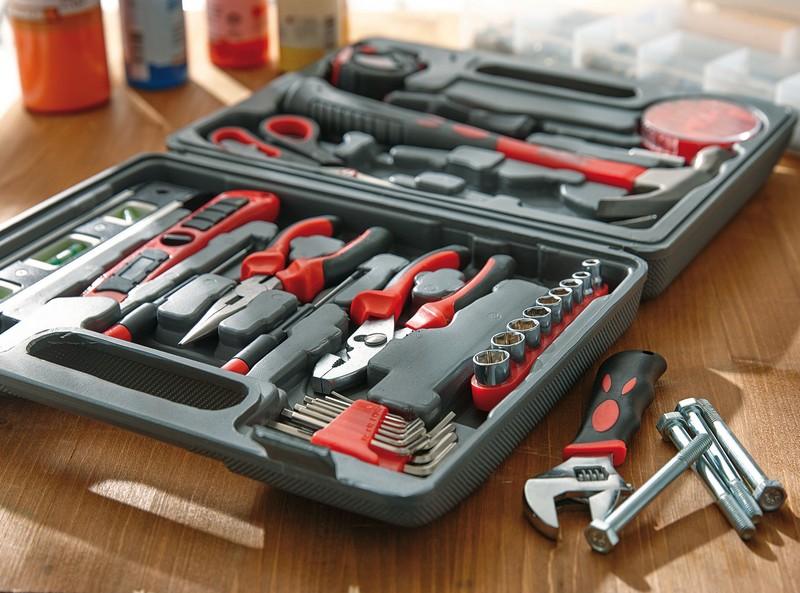 Набор инструментов - для мужчины в качестве подарка