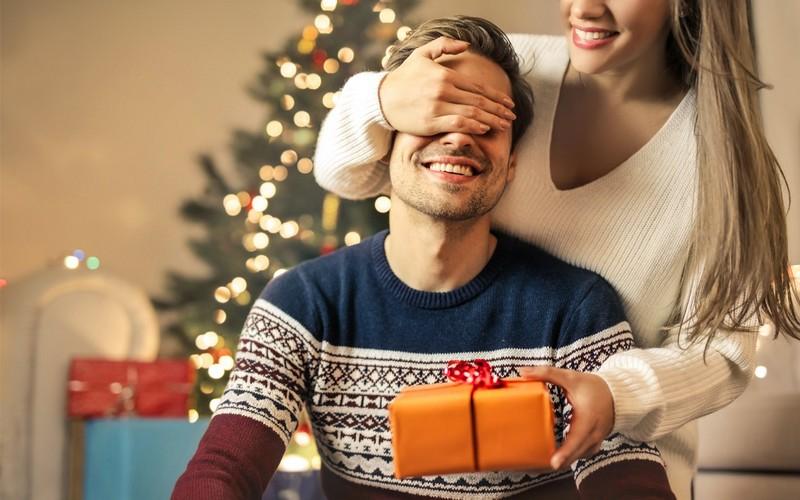 идеи для подарков мужчине на Новый год