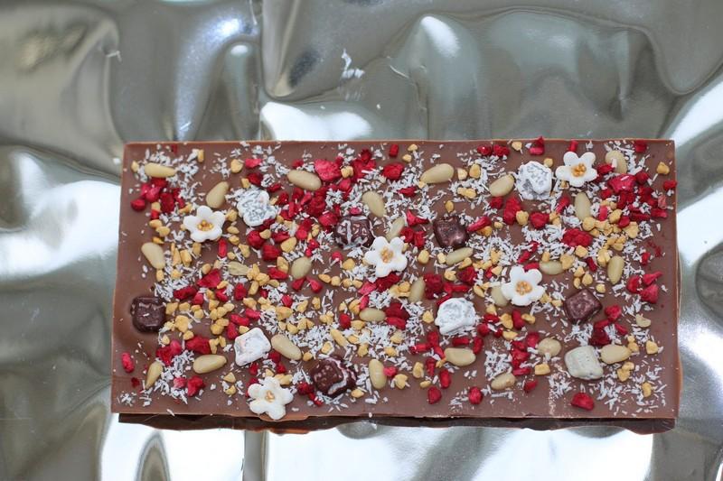 вкусный шоколад - подарок
